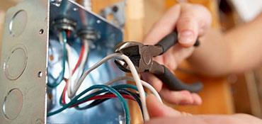 Cutting a wire in electrical box
